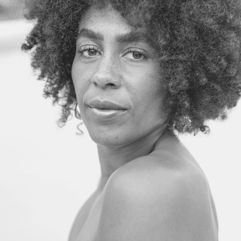 Sara Christie(1)